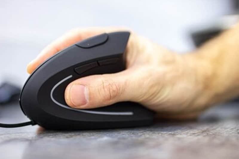 It's Time to Swap a Regular With Ergonomic Mouse for Carpal Tunnel Symptoms – This is Why