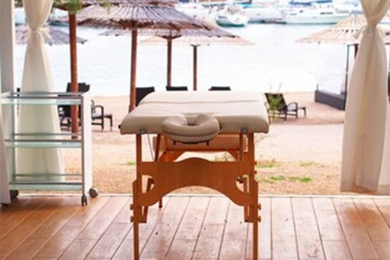Portable Vs. Stationary Massage Table – Which One to Go For?