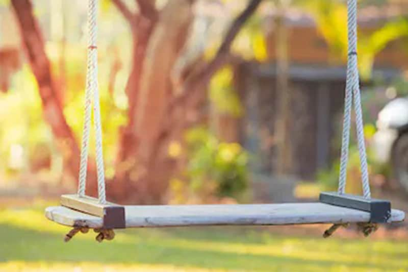 Swing Set Buying Guide: What Age Are Swing Sets For?